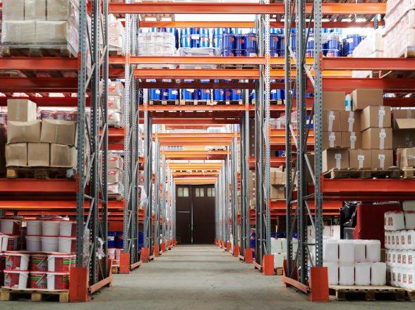 Na czym polega handel stockami magazynowymi z zagranicy?